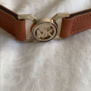 Michael Kors adjustable waist belt